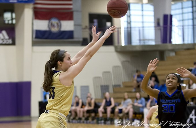 Dani Rehor finished with 11 points to help the Eagles past Peru State